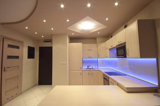 LED плафон за дома